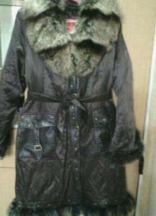 Продам пальто + подарок