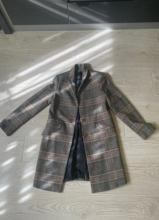 Осенний пиджак-пальто. очень стильный и акуратный