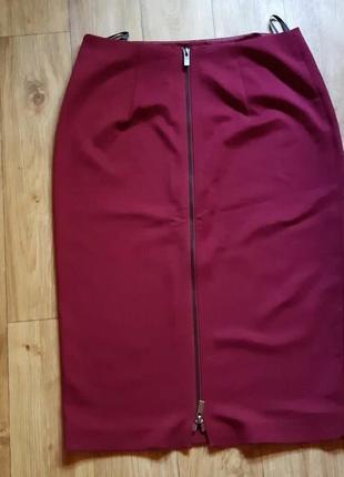 Роскошная юбка на молнии сзади известного бренда
