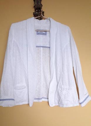 Летний пиджак из прошвы