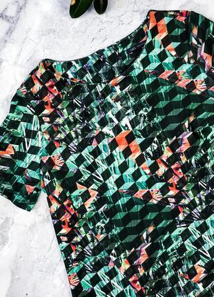 Яркая футболка из неопролена4 фото