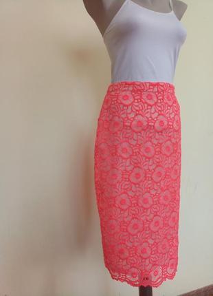Шикарная яркая гипюровая юбка карандаш