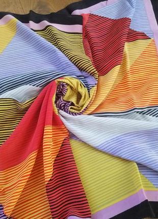 Carven яркий шёлковый платок