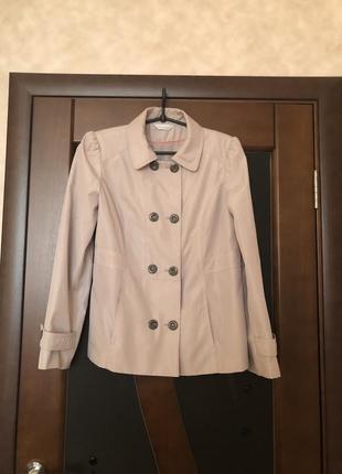 Женская трендовая куртка плащёвка беж от classics на наш 50-52. супер!