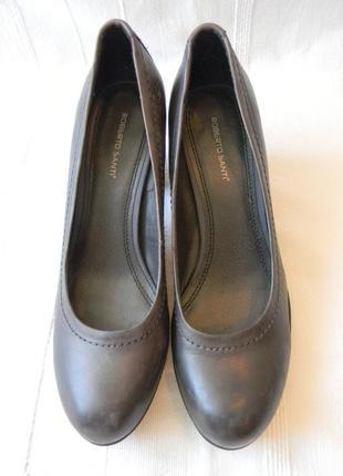 Roberto santi  кожаные туфли на каблуке р.39 (25,5 см)