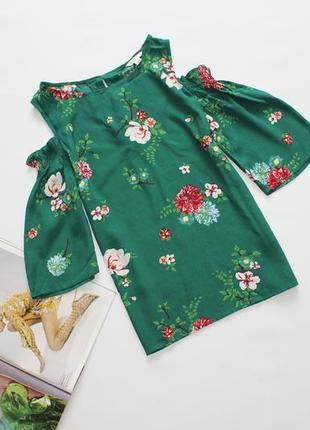Красивая блуза в цветочный принт с открытыми плечами м 10 38