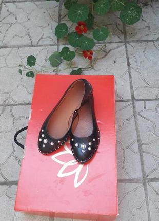 Скидка!!! кожаные туфли с бусинами подошва с металлическим вставками3 фото