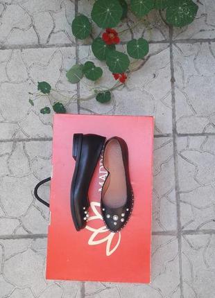 Скидка!!! кожаные туфли с бусинами подошва с металлическим вставками4 фото