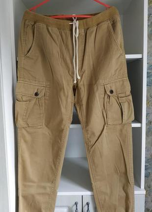 Повседневные, спортивные брюки.