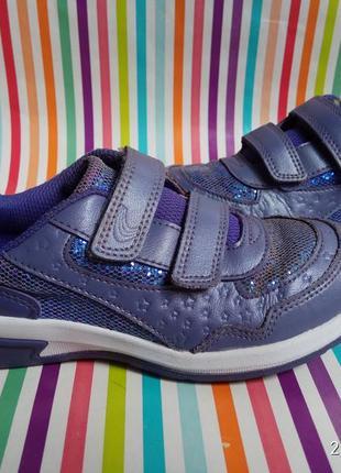 Дуже красиві шкіряні туфельки-кросівки
