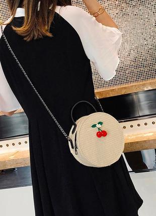 Круглая сумочка , плетенная сумочка, сумка на плече, кроссбоди, соломенная сумочка
