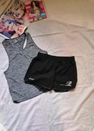 Черные спортивные шорты asics / размер л