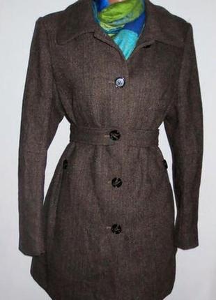 Полушерстяное пальто. в груди 100 см