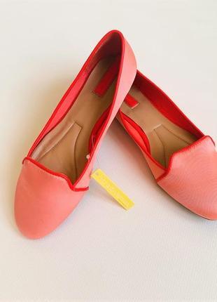 Женские летние атласные коралловые нарядные туфли балетки  22.7 см