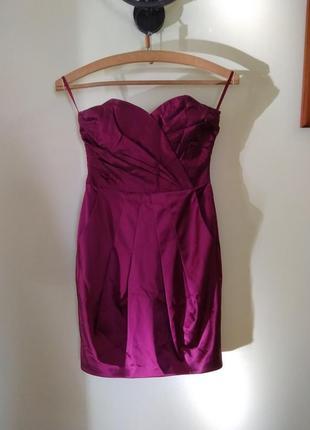 Плаття з етикеткою нове