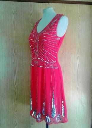 Шифоновое ярко-розовое платье с бисером,м - l.