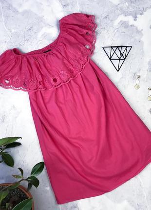 Красивое натуральное платье свободного кроя на плечи
