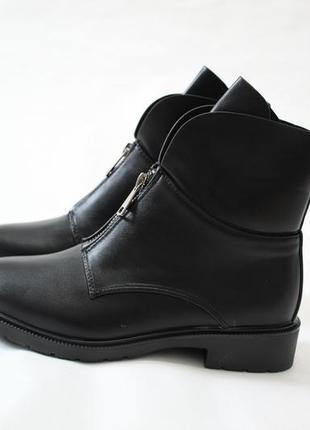 Женские черные демисезонные ботинки (полусапоги) из эко-кожи2 фото