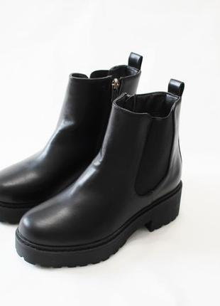 Женские черные демисезонные ботинки челси на толстой подошве из эко-кожи
