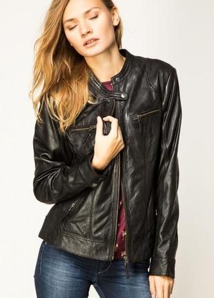 Черная брендовая кожаная куртка-косуха s.oliver