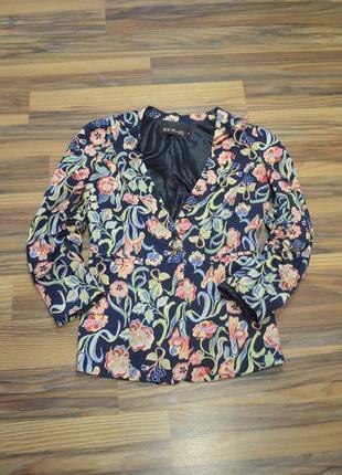 Пиджак в цветочный принт