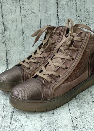 Стильные кожаные кроссовки bullboxer 100% handcrafted 39 р.