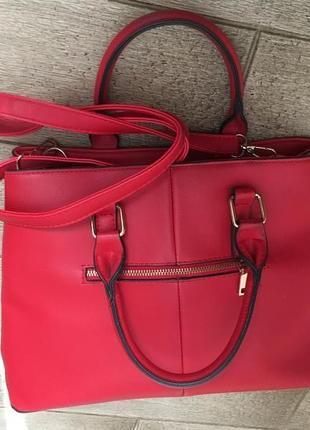 Яркая красная сумка miu miu состояние новой