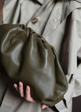 Сумка женская кожаная клатч мешок кроссбоди италия стильная хаки зеленая the pouch