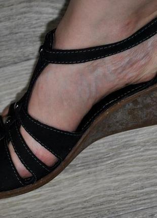 Продам кожаные босоножки clarks 38 (5) черные удобные