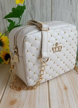 Модная и стильная сумка клатч на цепочке