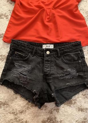 Крутые фирменные джинсовые шорты mango,короткие черные шортики