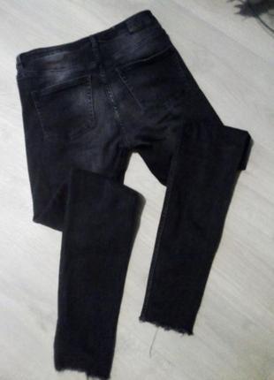 Брендовые брюки джинсы рваный низ9 фото