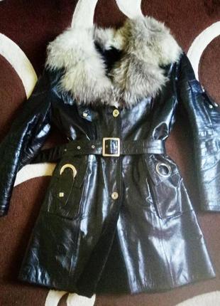 Кожанная куртка - дубленка из натуральной лаковой кожи с мутоном внутри