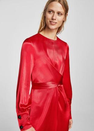 Атласное платье с запахом2 фото