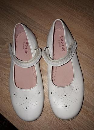 Красивые туфли/сандали на девочку 19,5 стелька, натуральная кожа