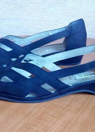 Кожаные летние открытые туфли на танкетке5 фото