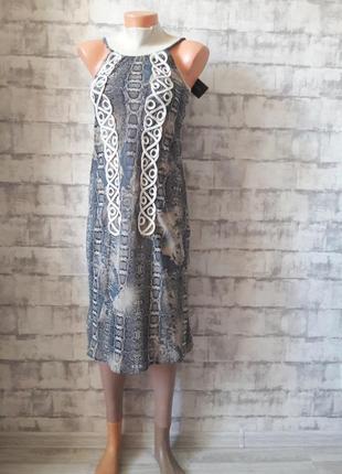 Прямое платье змеиного принта
