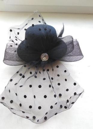 Готическая шикарная шляпка на заколке