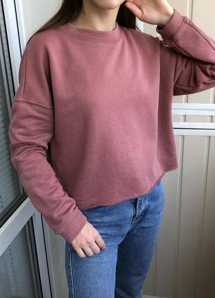 Бледно-розовый свитшот нюд укороченный оверсайз от bik bok