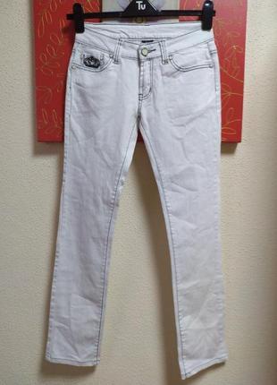 Стрейчевые джинсы известного бренда