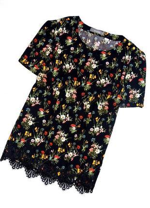 Oasis. вискозный топ с цветочным принтом на черном фоне. м. 10. 38