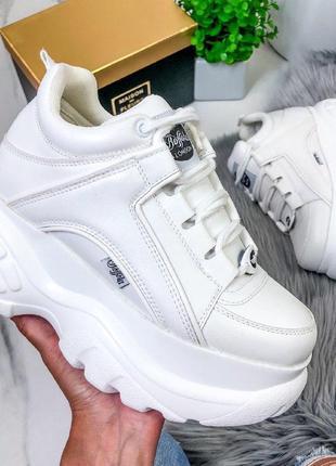 Шикарные кроссовки в стиле буффало