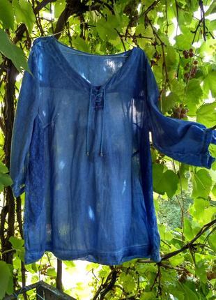 Стройнящая бохо-блузка с кружевным декором