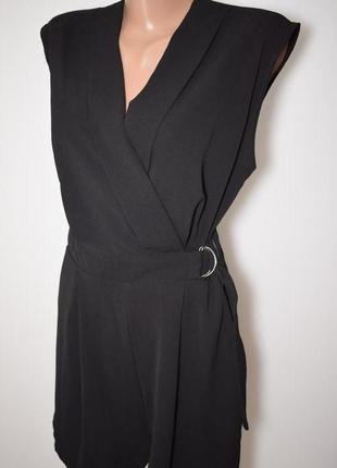 Красивый женский комбинезон, ромпер шортами на запах new look
