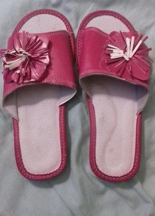Новые кожаные тапочки-шлепанцы. размер 37.