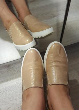 Золотые лофера. слипоны. туфли.100% кожа только три дня!!!