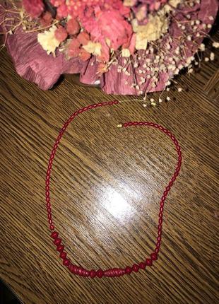 Милое ожерелье из бисера винтаж.