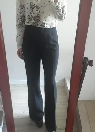 Новые с биркой базовые черные брюки клеш со стрелками на высокой посадке штаны клёш