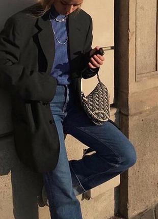 Стильный черный удлиненный пиджак оверсайз