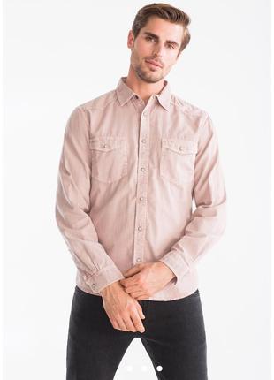 Отличная мужская рубашка под джинс цвета палевой розы